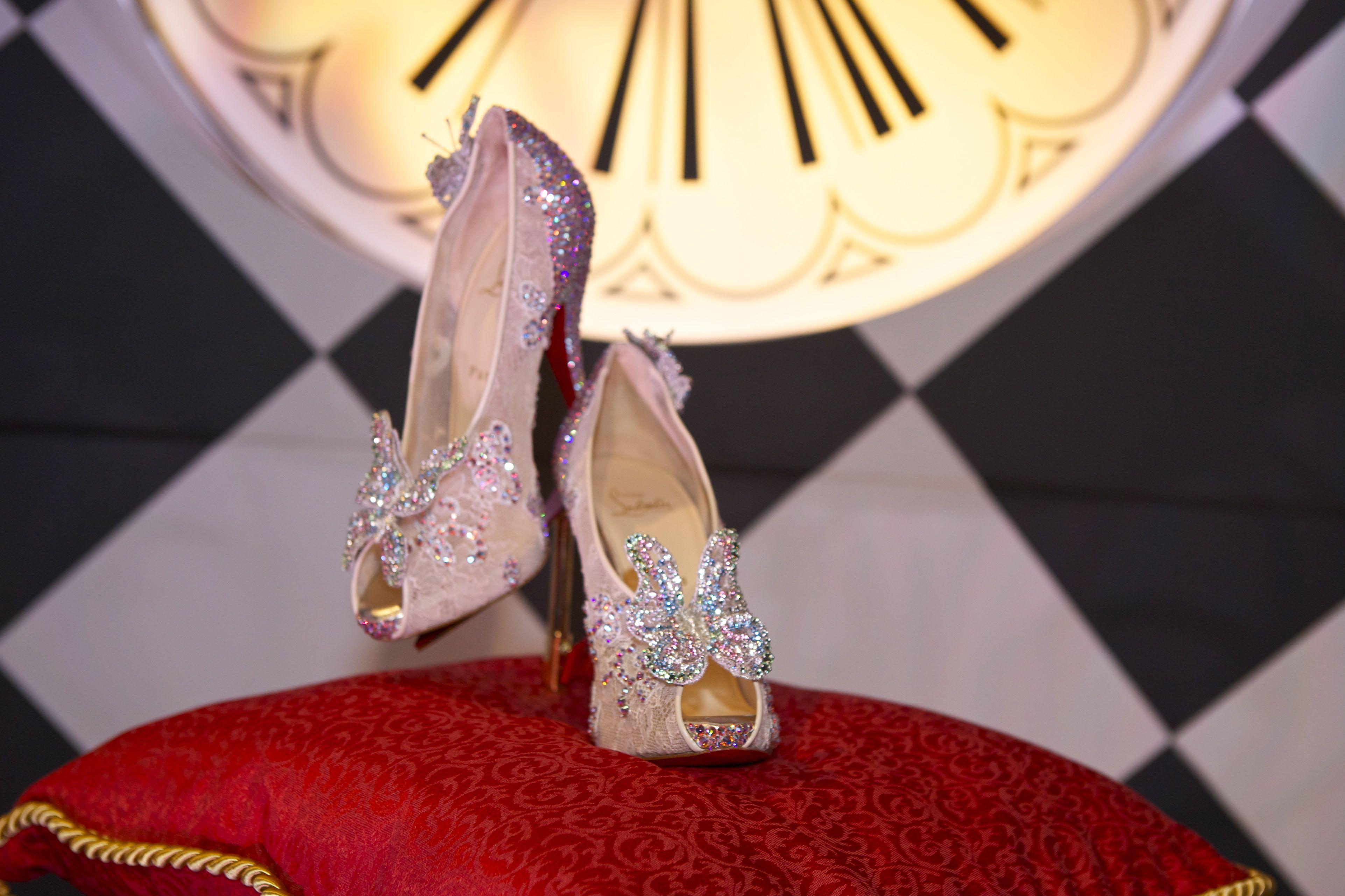 chaussure de cendrillon louboutin prix
