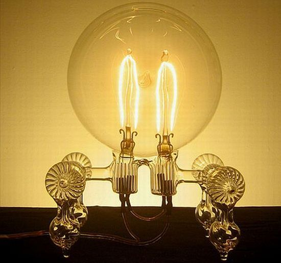 Google Image Result for http://www.instablogsimages.com/1/2012/04/19/hand_blown_light_bulb_by_dylan_kehde_roelofs_image_title_olsq1.jpg