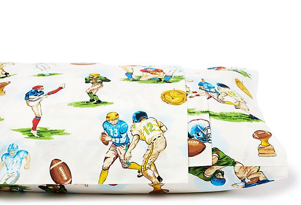 love the vintage style of this sheet set, would be great for a boys room, or even a fun guest room! >> $99