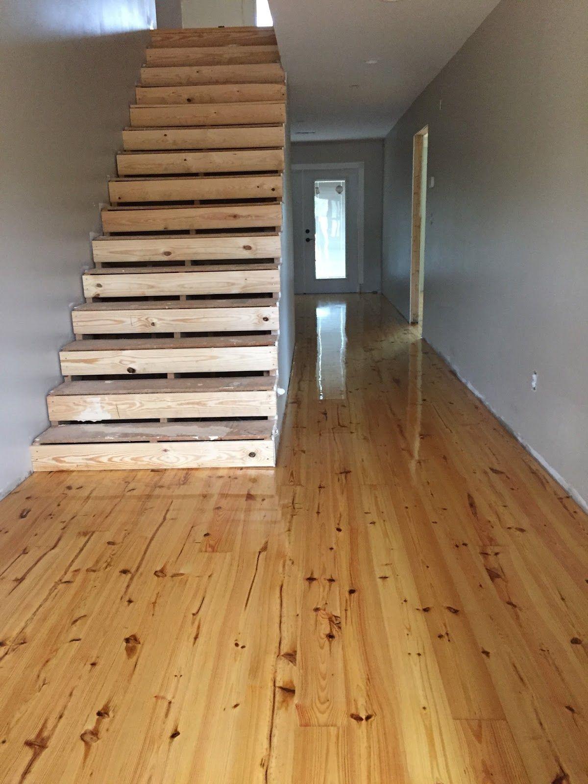 Knotty pine wood flooring gurus floor for Knotty laminate flooring