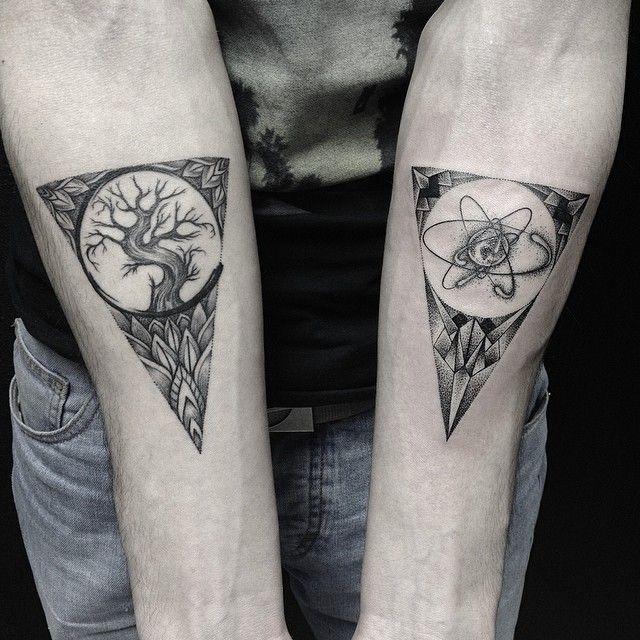 les tatoos artistiques de sasha masyuk organic shapes. Black Bedroom Furniture Sets. Home Design Ideas