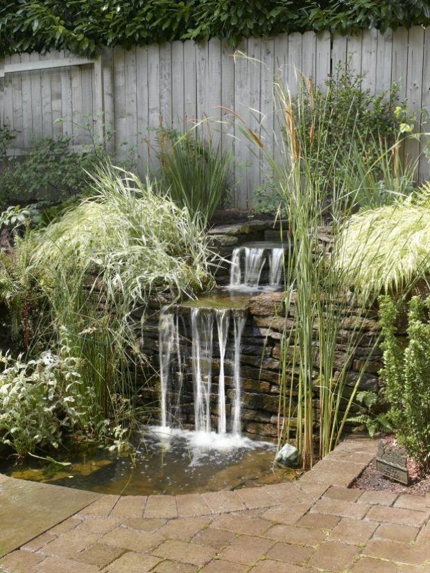 angelegte Wasserläufe-wasserfall effekt mit natürlichen-steinen