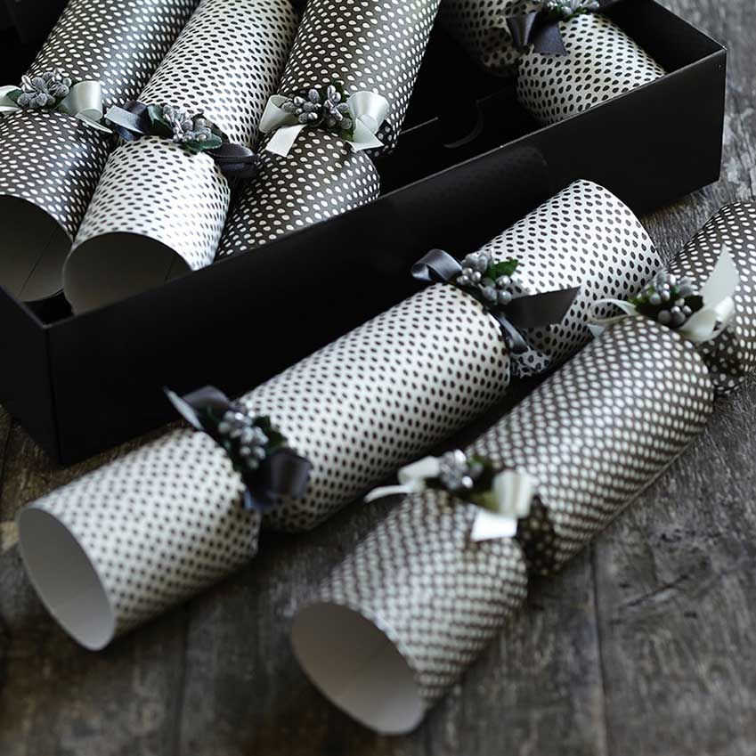 stylish crackers for your christmas table elle decoration uk