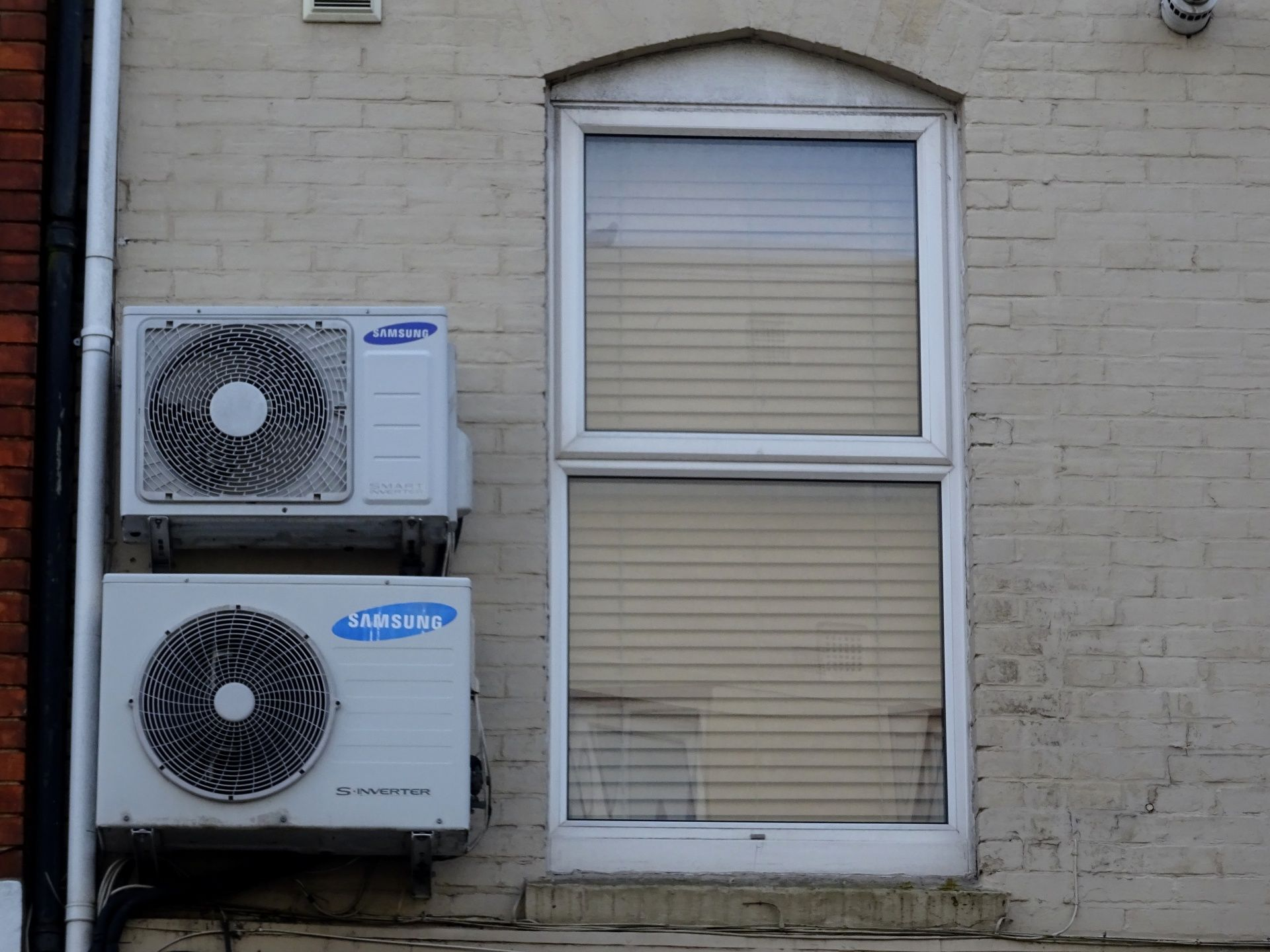 We at Van Airconditioning have the besttrusted brands in