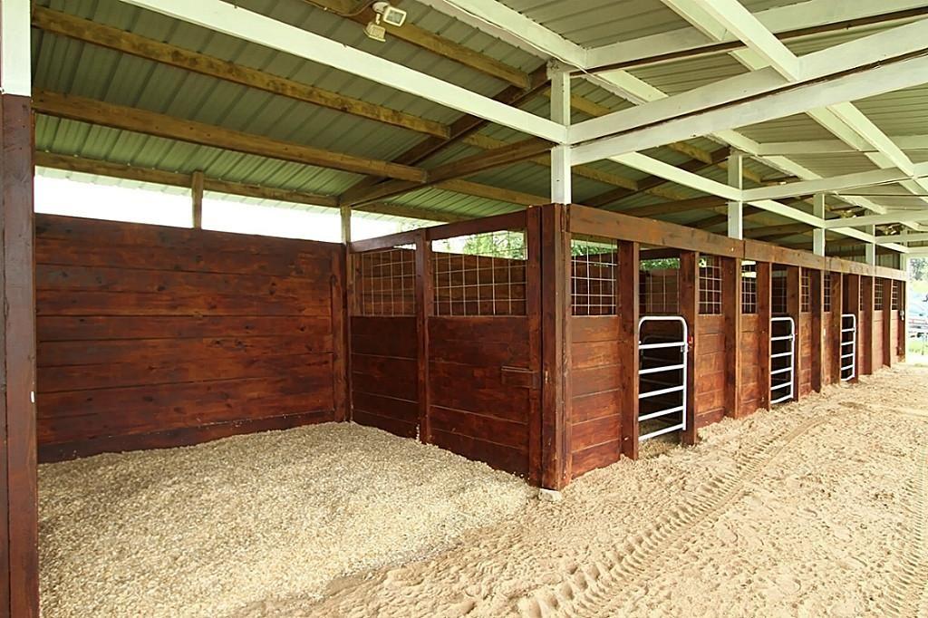 Wood stalls, I love this design. It's simple, yet elegant ...