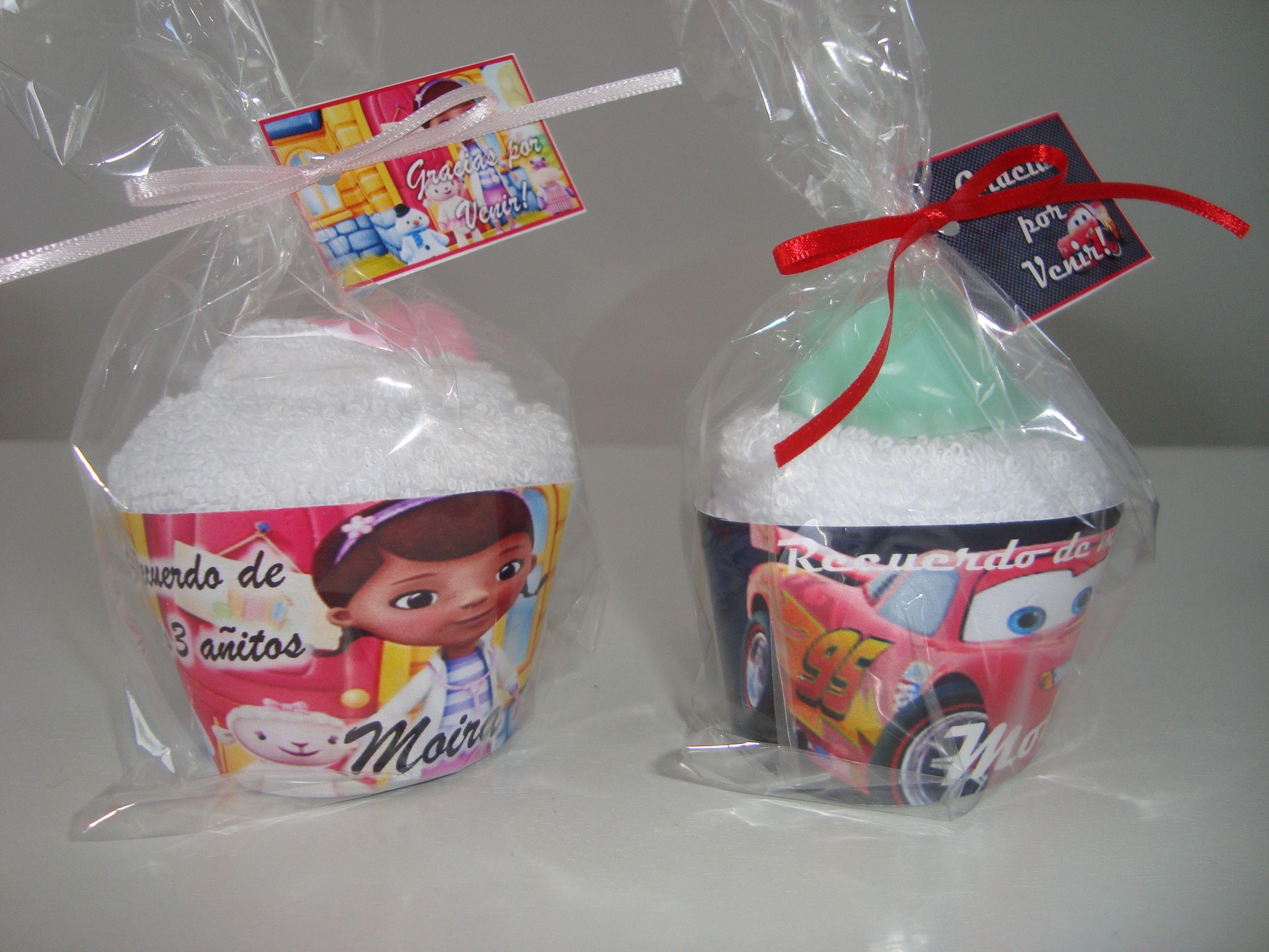 Souvenirs cupcakes con jaboncitos temáticos