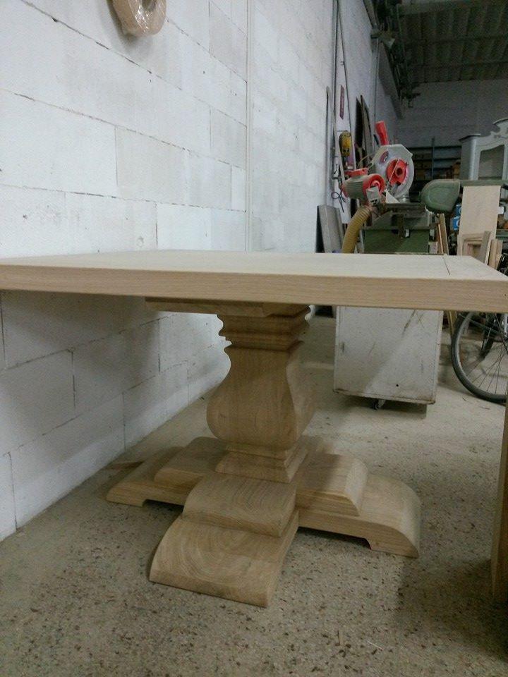 Tavolo quadrato in rovere con gamba centrale falegnameria grelli - Tavolo quadrato gamba centrale ...