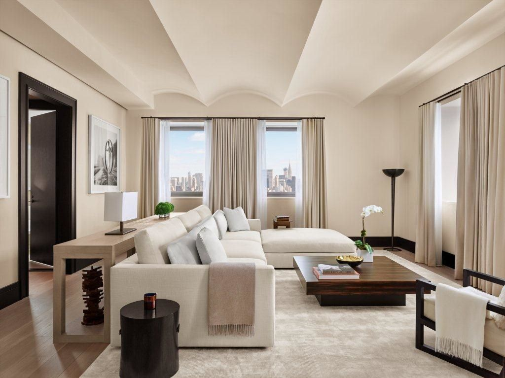 8 High Design Hotels New Yorkers Love Penthouse Living Home Living Room Interior Design
