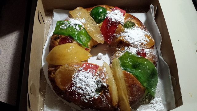 Portuguese+Pastries | ... Rei (Portuguese King Cake) from Teixeira's Bakery, in Newark, NJ, USA
