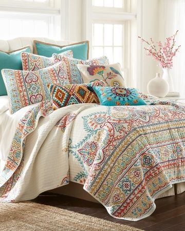Luxury Paisley Quilt Collection Main View Paisley Bedding