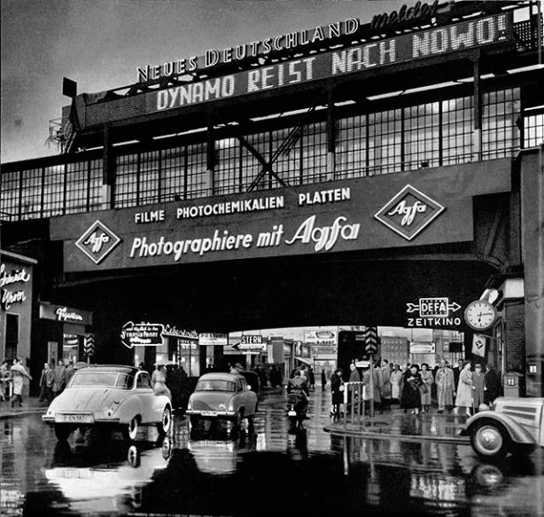 1960 Am Bahnhof Friedrichstrasse Friedrichstrasse Berlin Geschichte Berlin