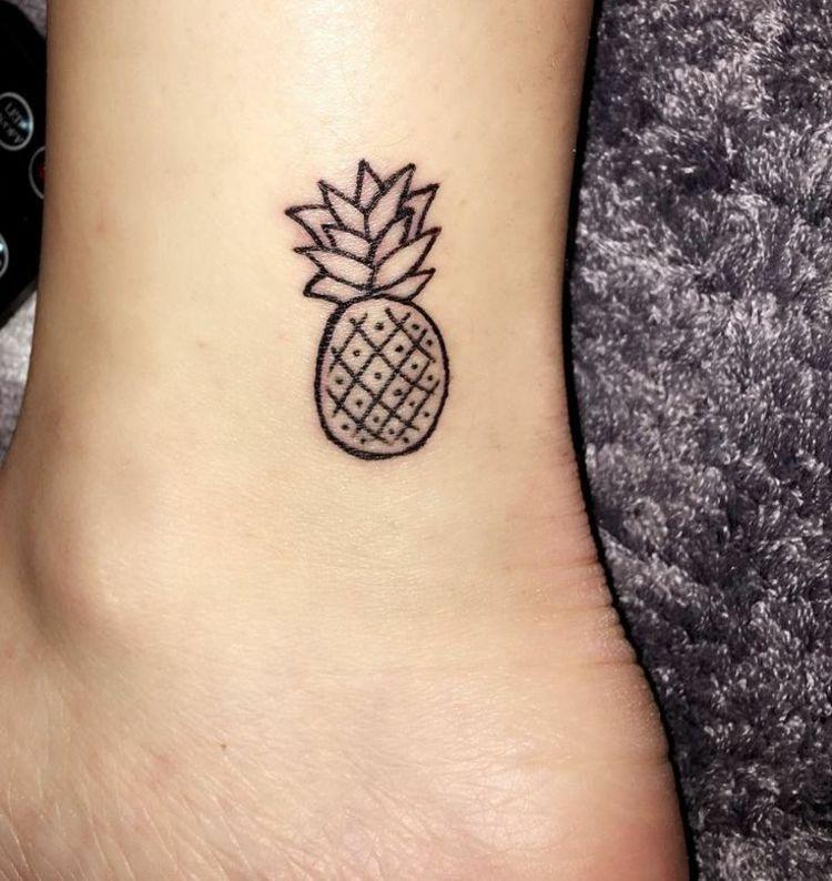 kleine tattoos ananas fu hacken obst exotisch frucht tattoo motive pinterest tattoo. Black Bedroom Furniture Sets. Home Design Ideas