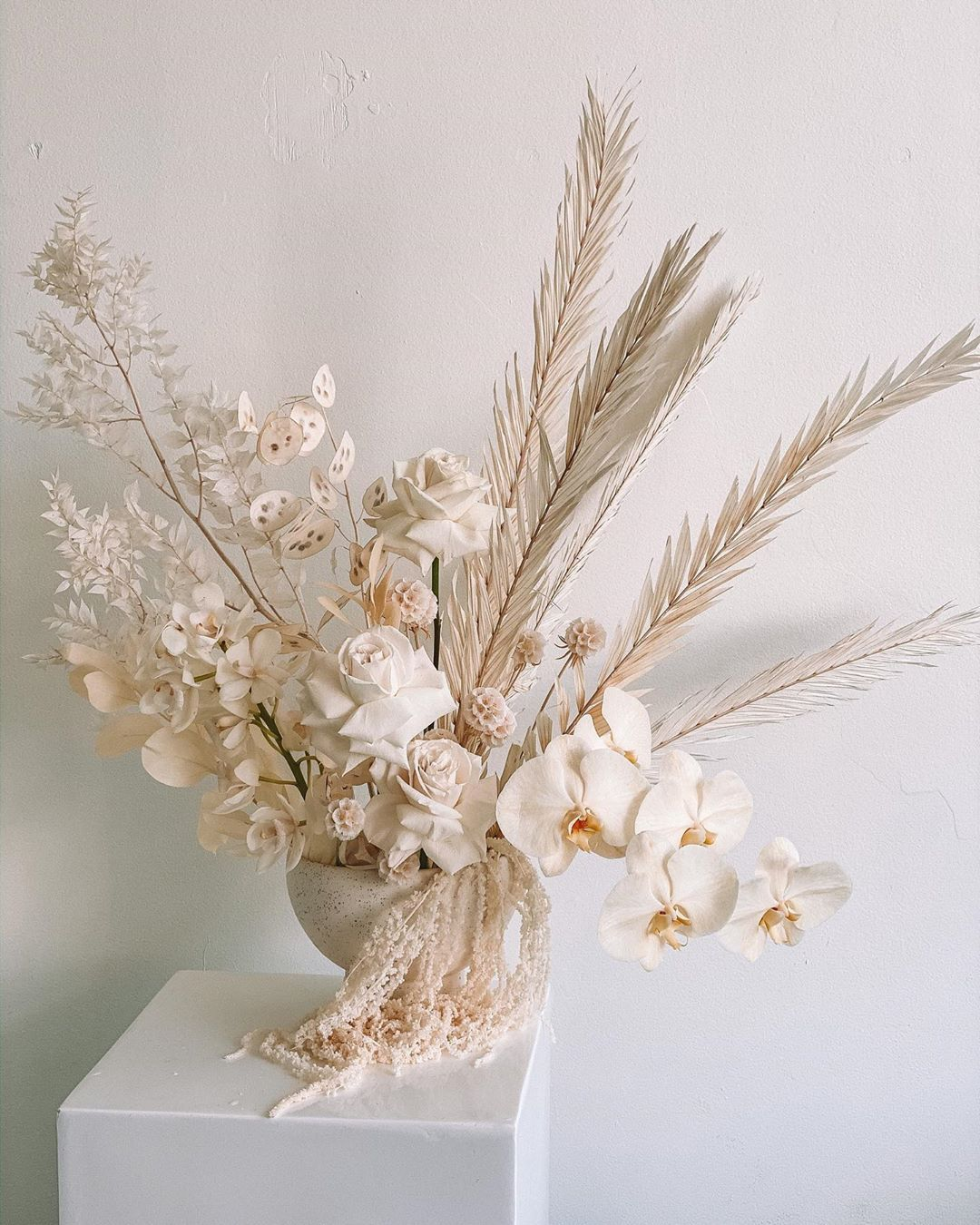 Willow Bear Sydney Florist On Instagram With The Forecast Predicting Rain Ove In 2020 Dried Flower Arrangements Artificial Flower Arrangements Flower Bouquet Diy