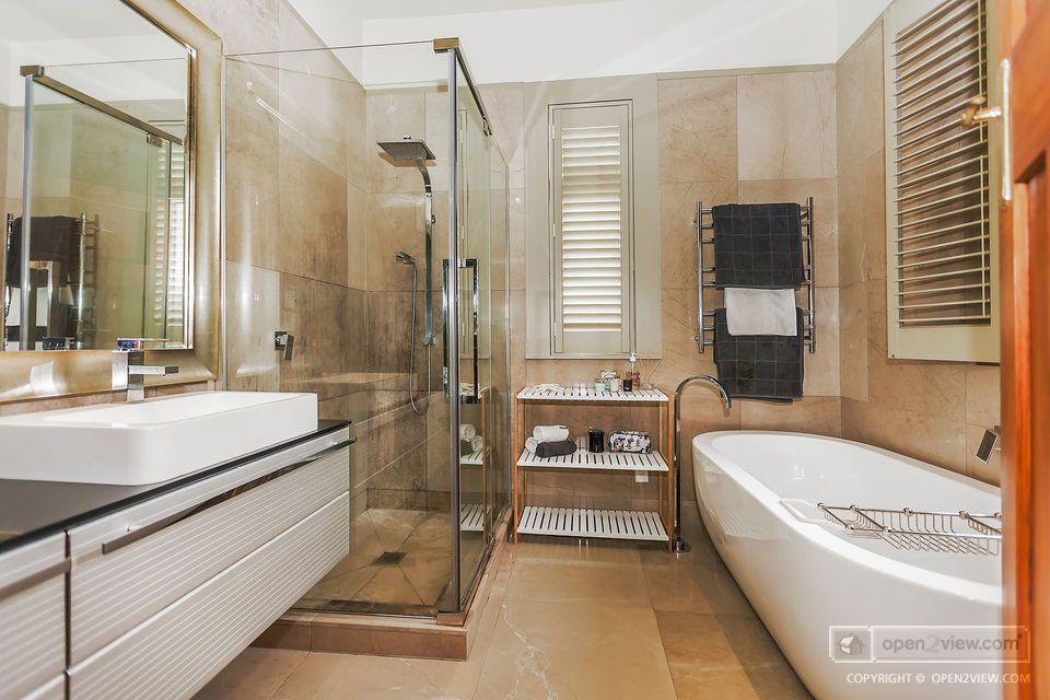 pin by barb andreotti on dream bathroom bath remodel on bathroom renovation ideas nz id=50931