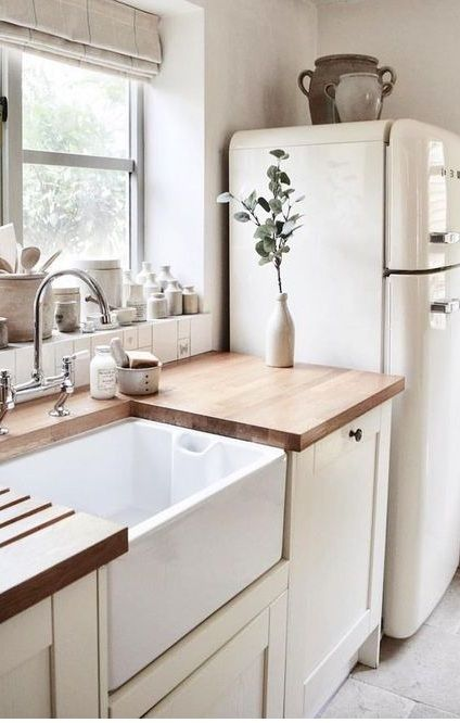 Flip through for homes that have that same modern farmhouse vibe, and offer a lot of inspiration