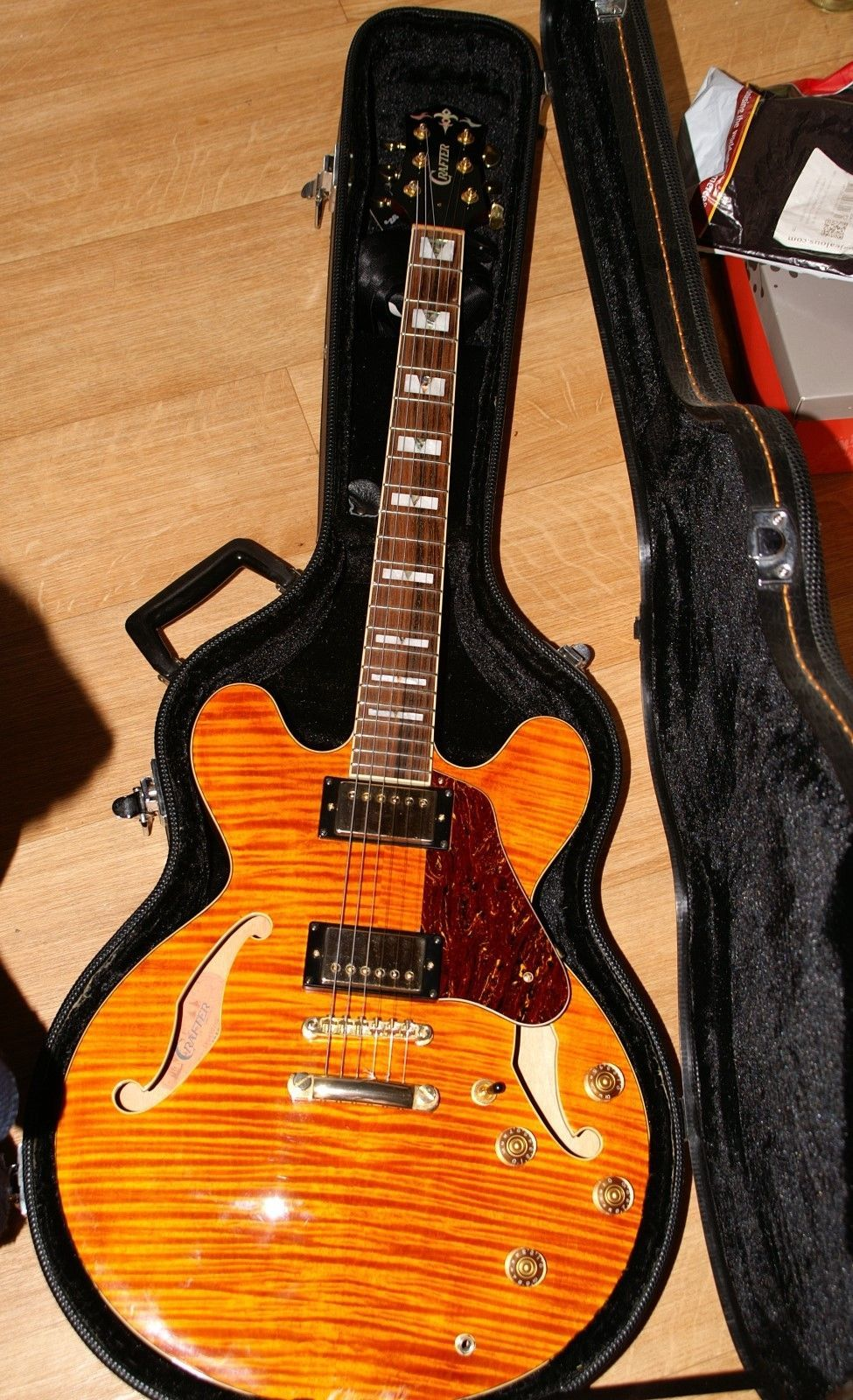 03a5a09ceb Crafter SEG450OR Semi Acoustic Guitar with hard case, 335, Epiphone ...