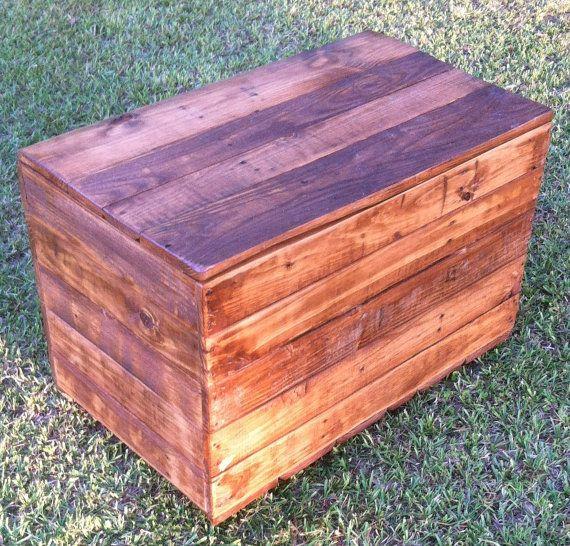 Rustic Wood Pallet Coffee Table: Rustic Reclaimed Wood Trunk, Reclaimed Wood Chest, Rustic