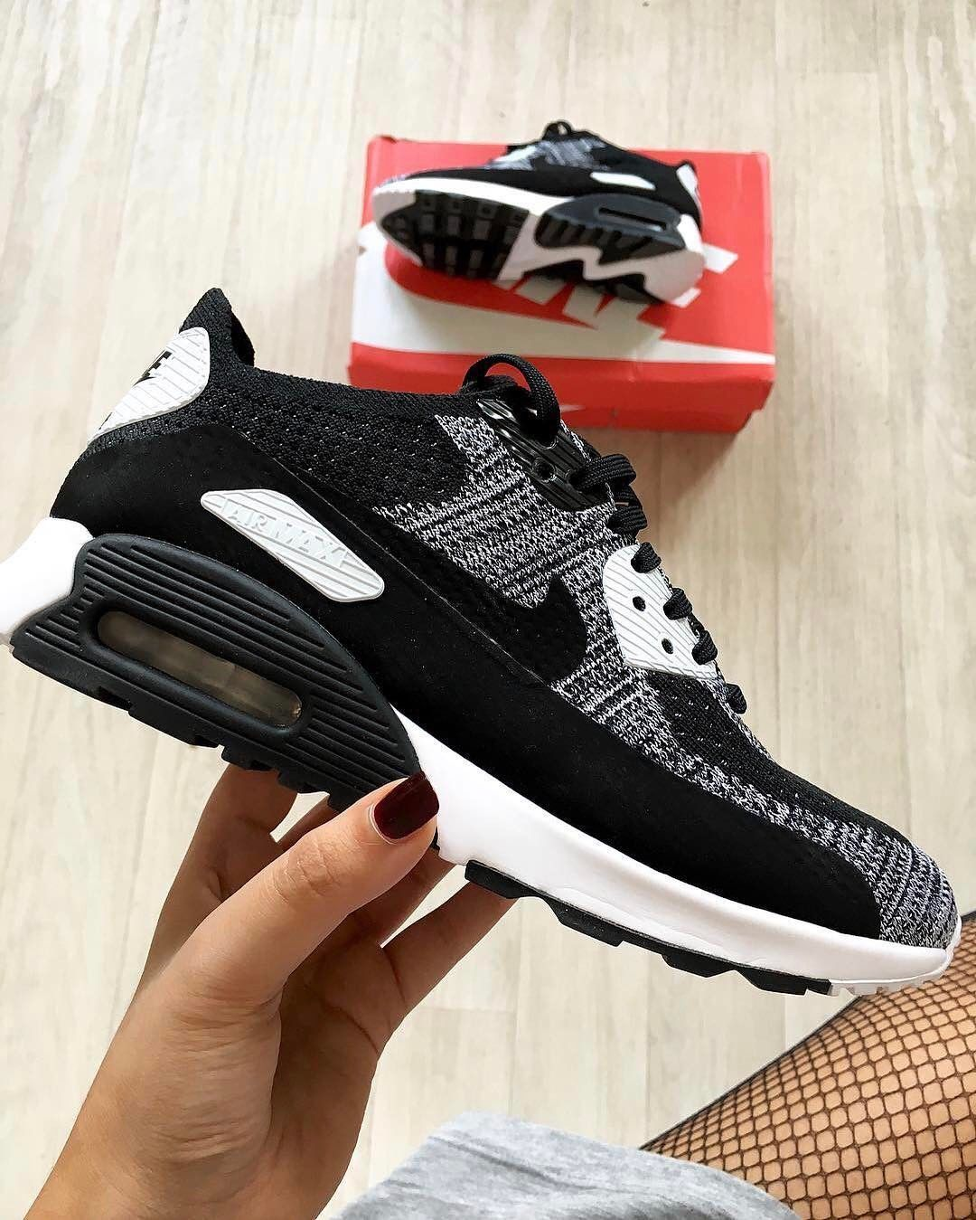 Trista Kit on | Nike shoes, Nike shoes outlet, Nike air max