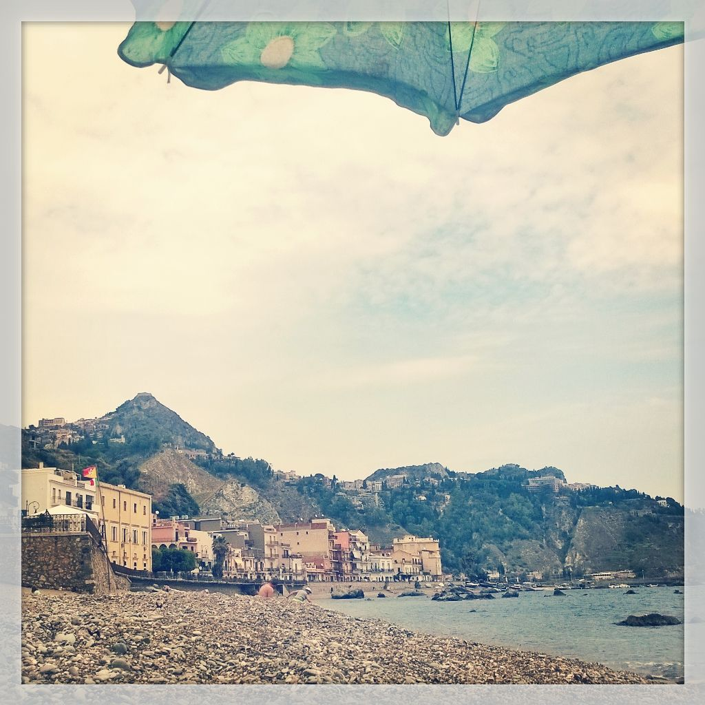 Have a nice day to the beach! Taormina and giardini Naxos