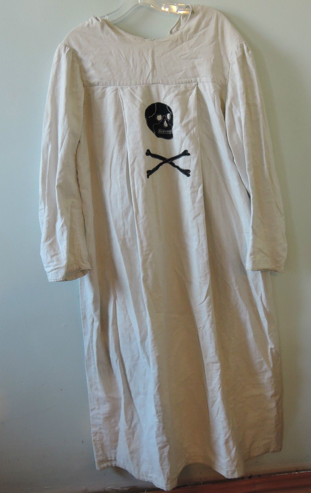 1910s Masonic Robe with Skull and Crossbones felt patch | Dressing ...