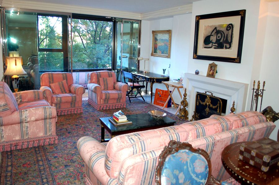 128 Central Park South5B for 2,350,000 this fabulous
