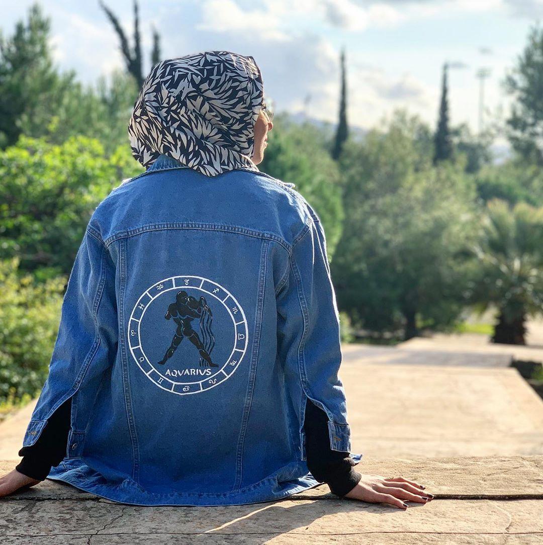 برج الدلو ارسموا ابراجكن على جاكيتات و جزادين Aquarius Get Your Horoscope Symbol On A Jacket Or Purse Painted Clothes Denim Jacket Fashion