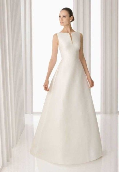 Hochzeitskleid Creme Schlicht