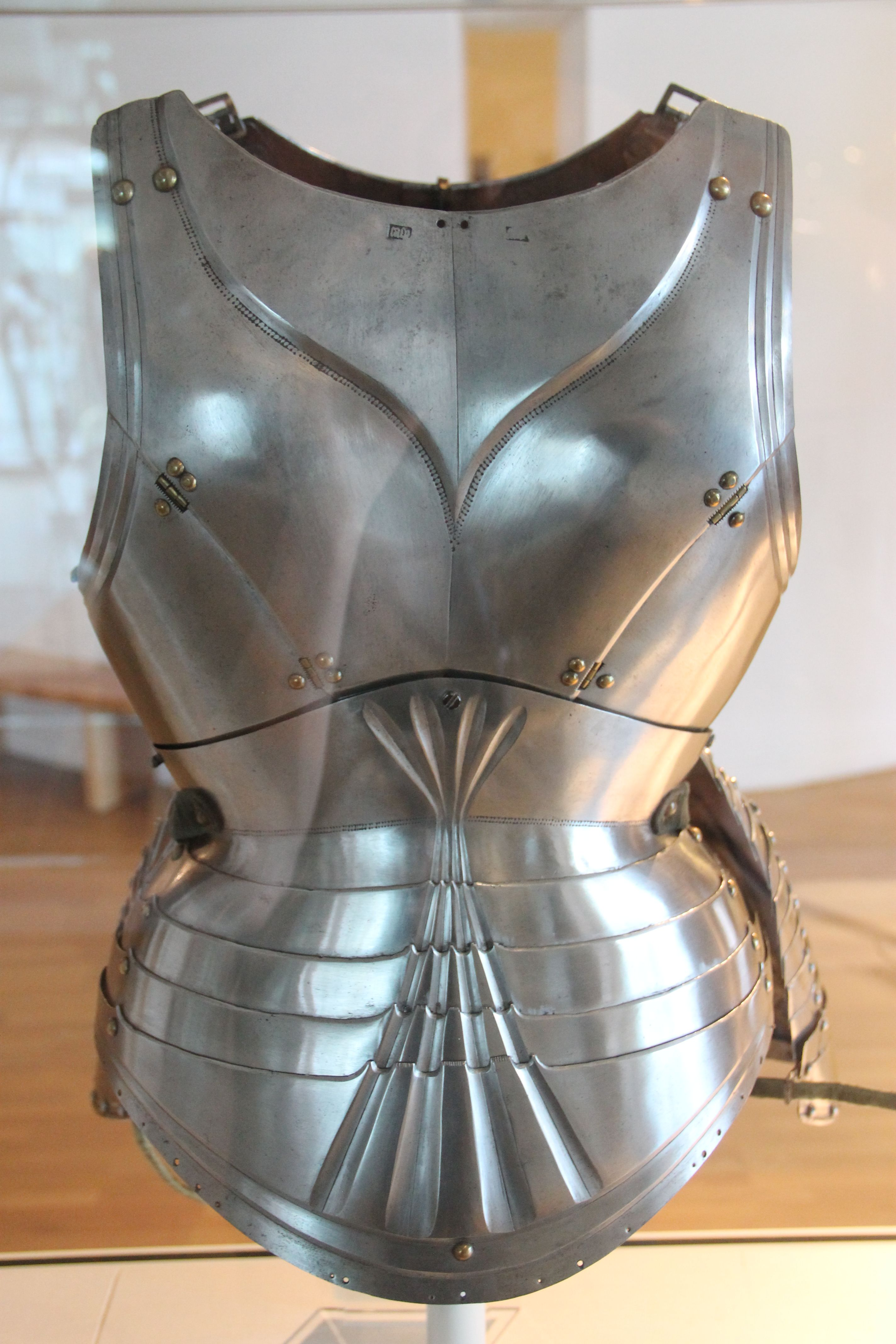 15th century german backplate armour from the royal