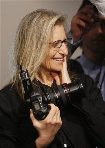 Annie Leibovitz - One of the BEST photographers in the world.