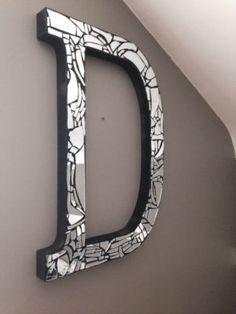 8 Cositas Que Puedes Hacer Con Un Espejo Roto Manualidades Con Cristales Rotos Manualidades Con Espejos Artesanias Con Espejo