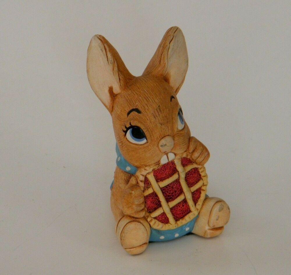 Pendelfin Rabbit Picnic Midge Figurine Hand Painted