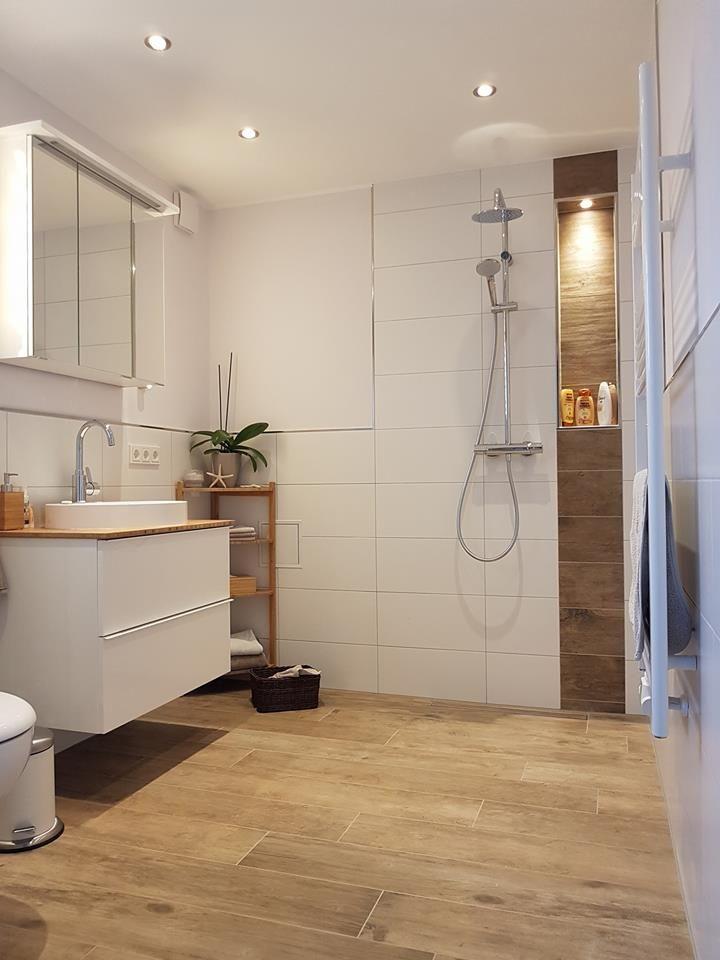 Dieses wunderschöne Badezimmer aus einer Hand wurde von ...