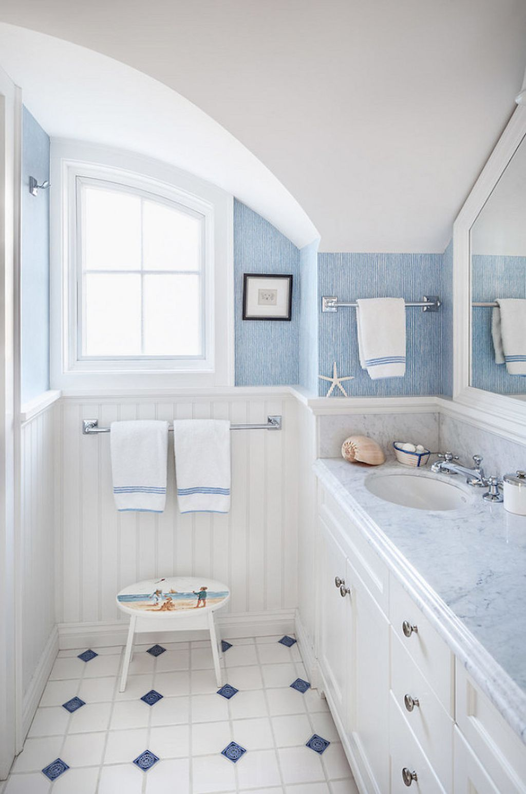 50 Cool Coastal Beach Bathroom Makeover Ideas | Beach bathrooms ...