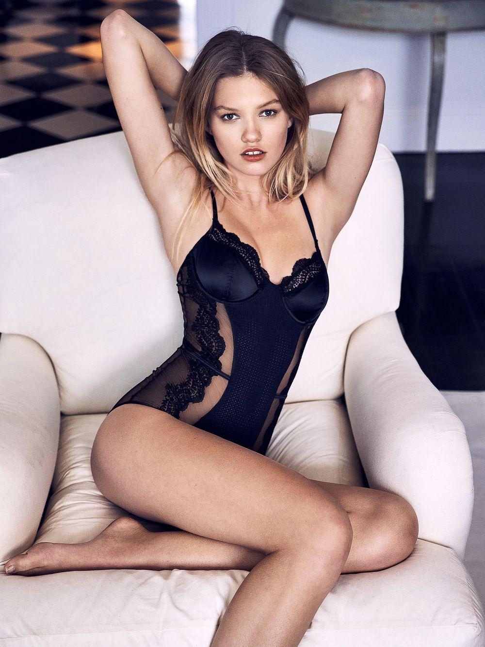 Maggie Laine Nude Photos 27
