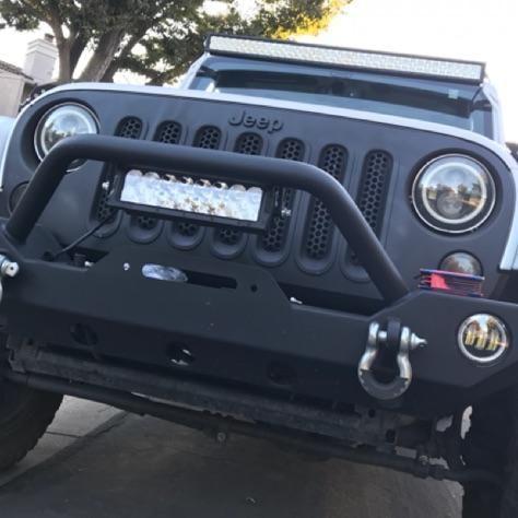 White Jeep Wrangler Jku Black Grill Plasti Dip 50 Inch Light Bar 10 Inch Light Bar Halo Led Lights Rough Country X White Jeep Wrangler White Jeep Jeep Wrangler