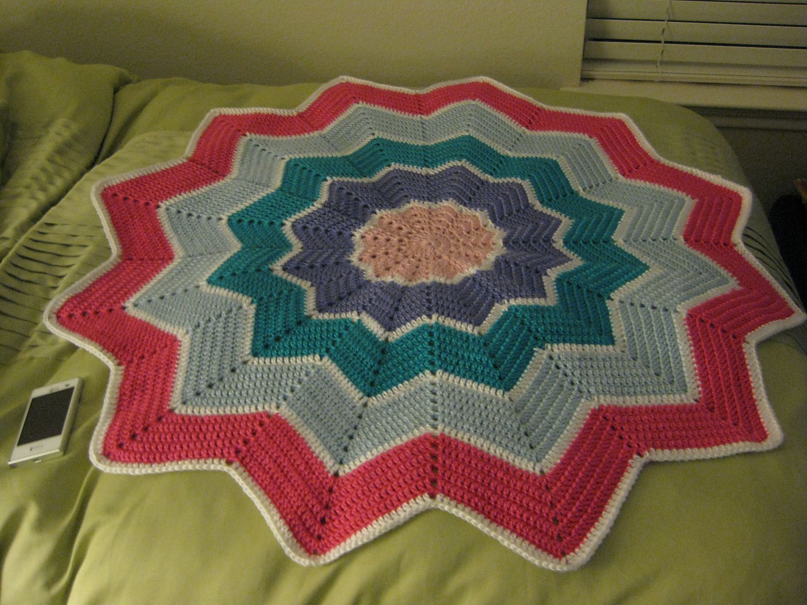 Ravelry rainbow ripple baby blanket by celeste young tejido