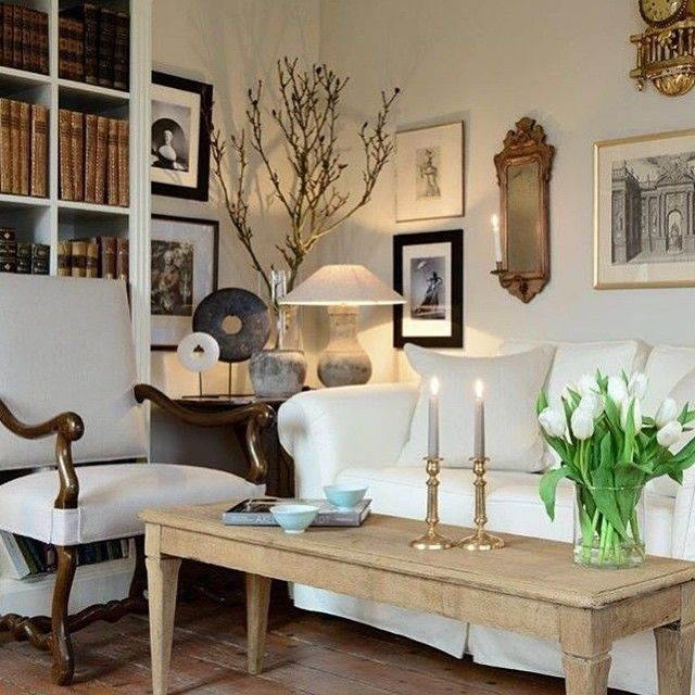 How an antique dealer designs her own family drawing room ...