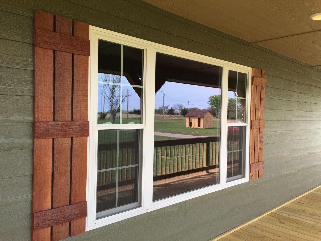 Cedar shutters home pinte for Exterior wood louvers