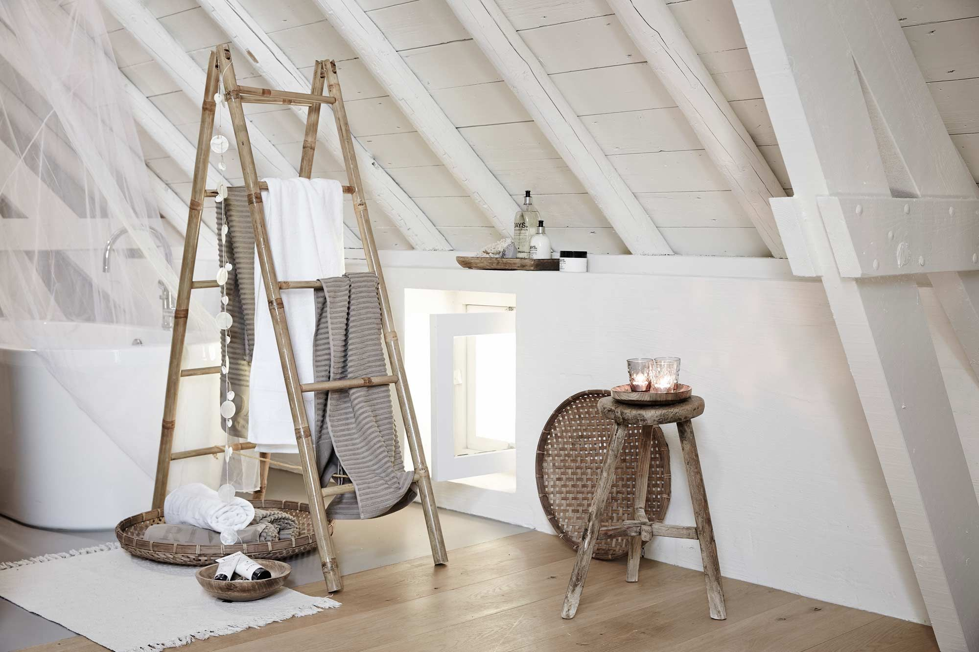 Riverdale Интерьер ДЕКОР garage attic attic