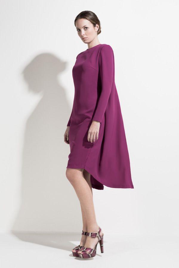 bualá outfit #dress capa berenjena | Vestidos Capa #atelier #bualá ...