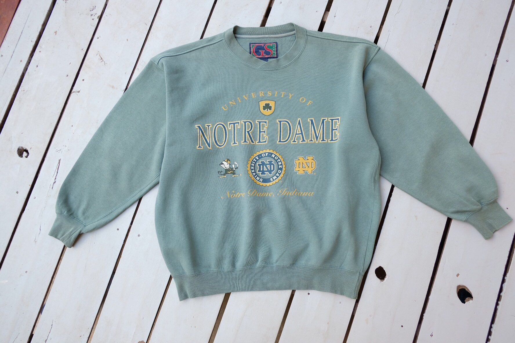Vintage University Of Notre Dame Sweatshirt Green Light Etsy Notre Dame Sweatshirt Notre Dame Apparel Sweatshirts [ 1184 x 1776 Pixel ]