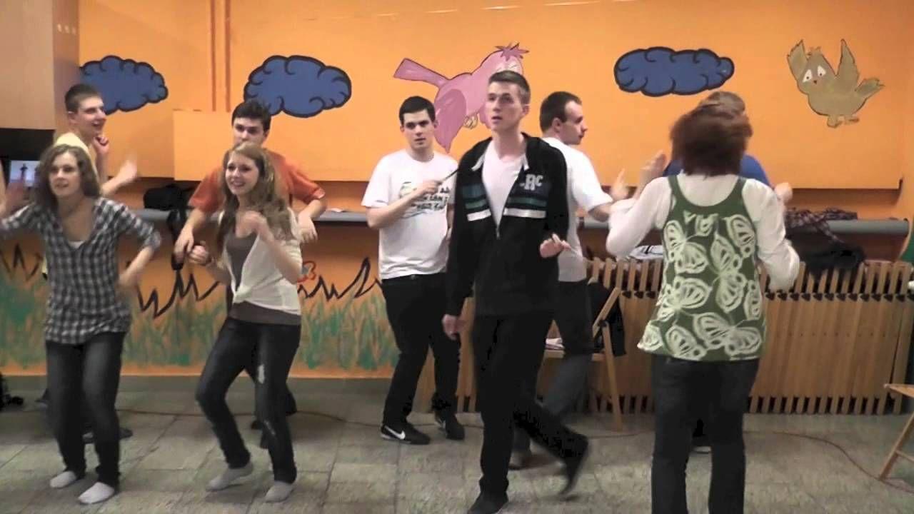 Taniec Integracyjny Szkola Animatora Salezjanskiego Bydgoszcz Dance Youtube Family Guy