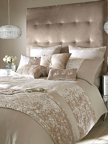 32 Stunning Luxury Master Bedroom Designs Photo Collection: Crushed Velvet Bedding