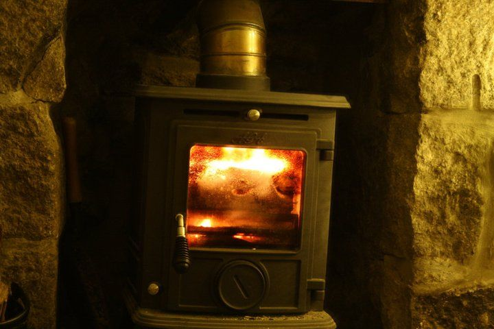 Log burner in small gap....could we do this is our back boiler space? @Yves Paul Scherer Lismer