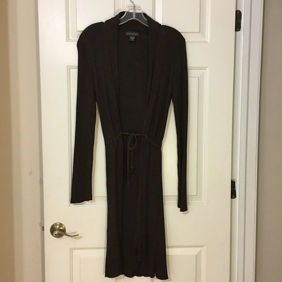 """Banana Republic Long Sweater Gently used, very good condition. No rips or stains! I'm 5'4"""" and this goes past my calves. Banana Republic Sweaters"""