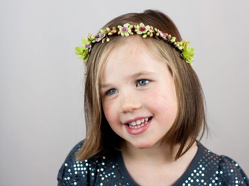 Couronne de fleurs & baies enfant: Spring de Nuage Coloré sur DaWanda.com