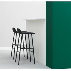 Photo of Sgabello da bar Normann Copenhagen Form – piedi in legno 75cm-rovere-nero – mostra … Normann Copenhagen
