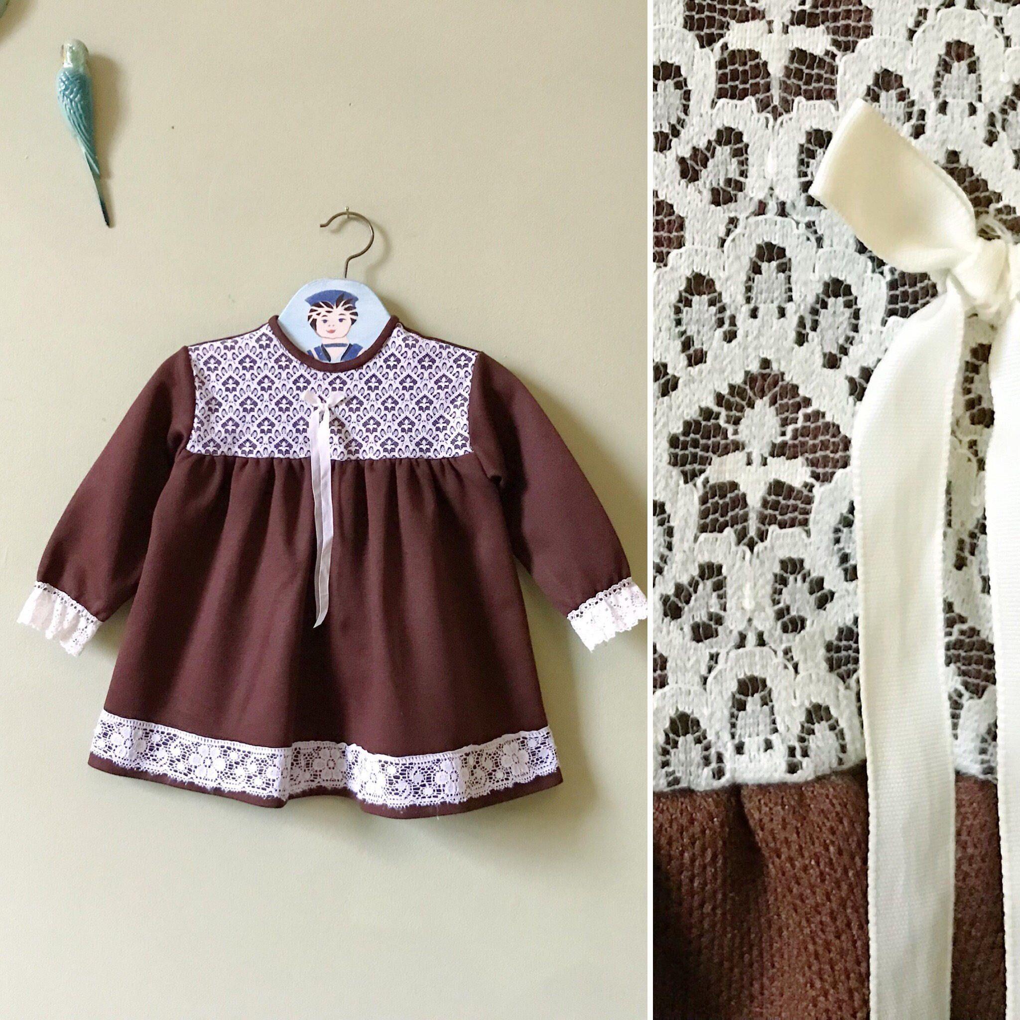 Vintage baby dress girls dress Brown white Autumn winter 1970s