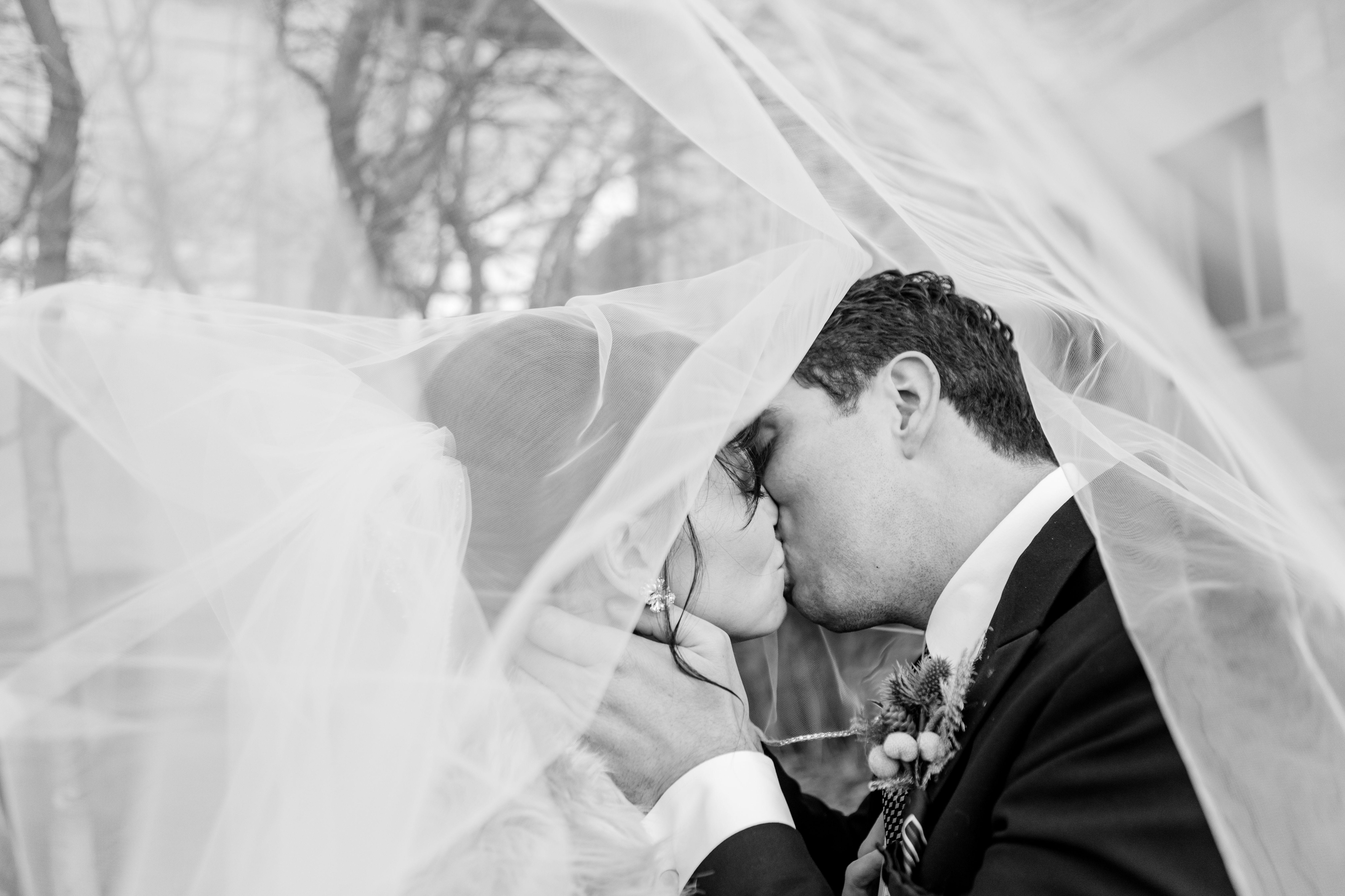 Winter Wedding Cincinnati Wedding Photography Kaleigh Turner Photography F In 2020 Cincinnati Wedding Photographers Cincinnati Weddings Ohio Wedding Photographer
