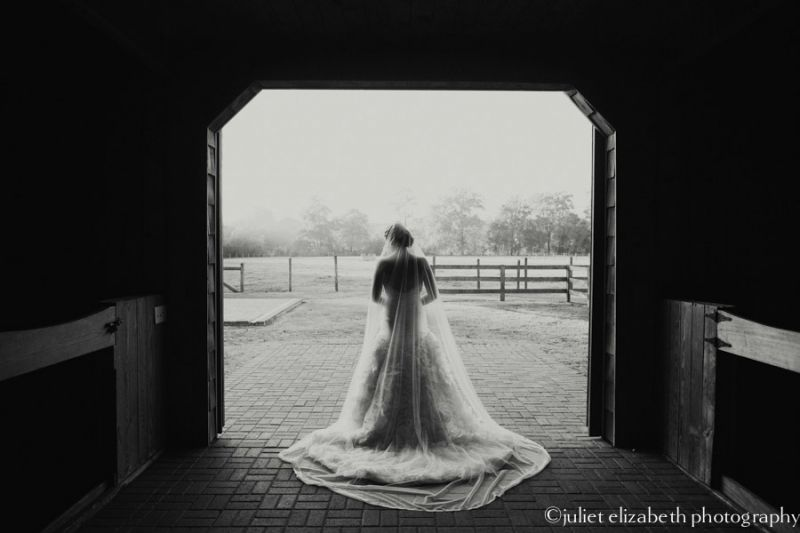 http://julietelizabethblog.com/whitney-ann-bridal-portraits-charleston-sc/